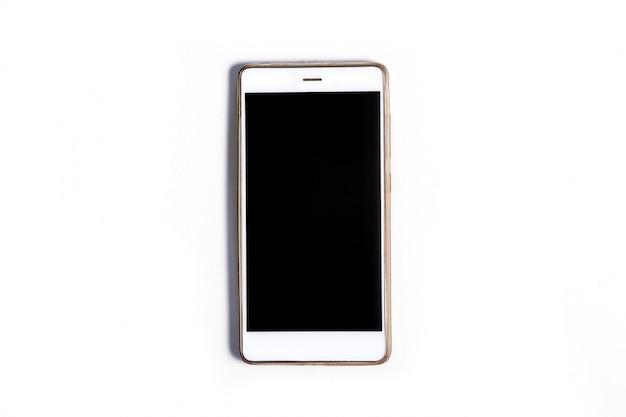 Um smartphone móvel moderno com uma tela de vidro isolada em uma parede branca. copie o espaço