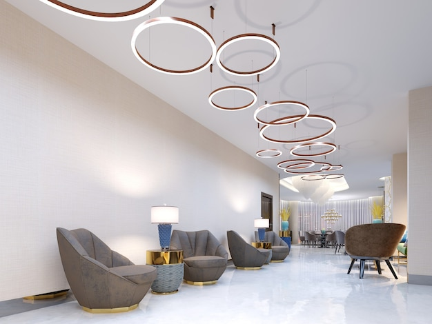 Uma área de recepção moderna com grandes poltronas estofadas de design e um grande lustre de anéis dourados. mesas laterais com lâmpadas e vasos elegantes. piso autonivelante branco. renderização 3d.