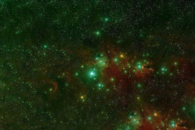 Uma bela galáxia verde no espaço profundo.