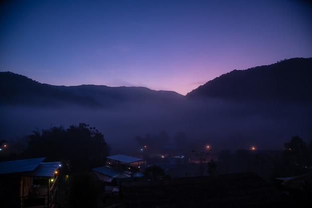 Uma beleza natural bonita na montanha em nan, província de boklua nan, tailândia