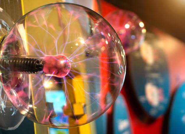 Uma bola de plasma imagem do centro de educação de plasma elétrico