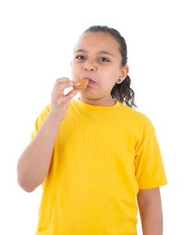 Uma garota expressando desgosto pela comida