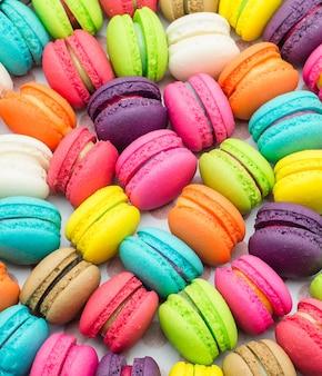 Uma guloseima doce francesa, close up da variedade dos macaroons.