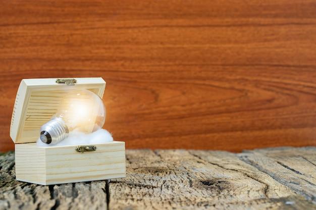 Uma lâmpada indica uma ideia