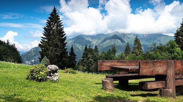 Uma paisagem incrível dos alpes italianos