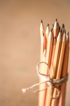 Uma pilha de lápis