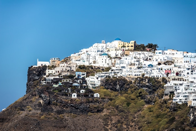 Uma visão de oia na ilha grega de santorini.