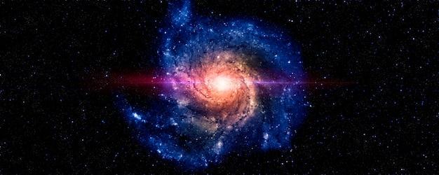 Uma visão do espaço de uma galáxia espiral azul e estrelas