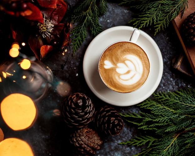 Uma xícara de cappuccino