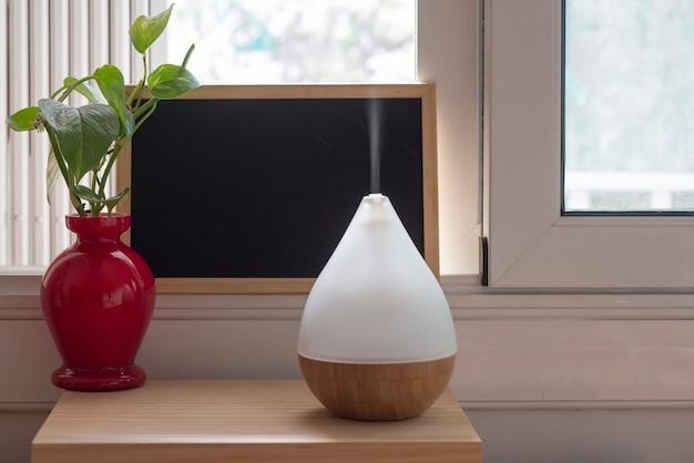 Umidificador de ar durante o trabalho ou para ficar em casa para momentos de relaxamento.