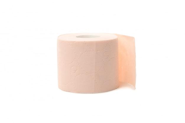 Único papel higiênico isolado no branco