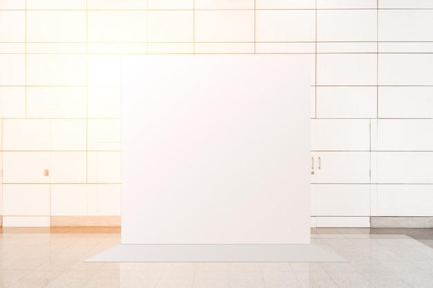 Unidade básica de pop-up de tecido a mídia de banner de publicidade exibe o cenário, fundo vazio