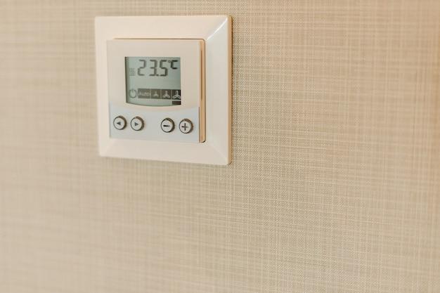 Unidade controladora do termostato do ar condicionado.