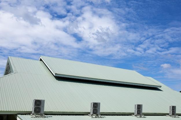 Unidade de compressor de ar no telhado