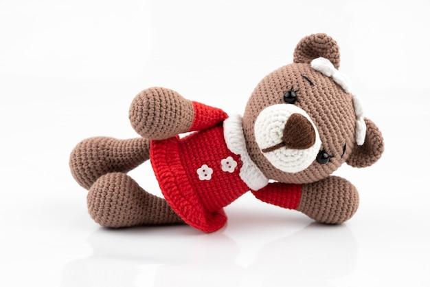 Urso de brinquedo de malha artesanal engraçado