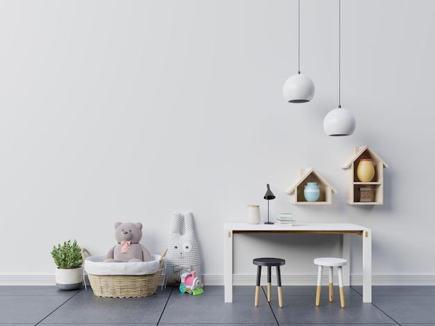 Urso de pelúcia e boneca de coelho no quarto das crianças com conjunto de mesa.