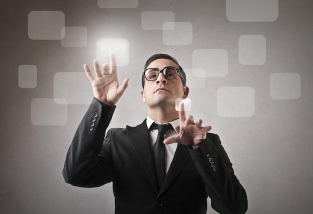 Usando a tela sensível ao toque nos negócios