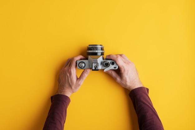 Usando câmera analógica antiga
