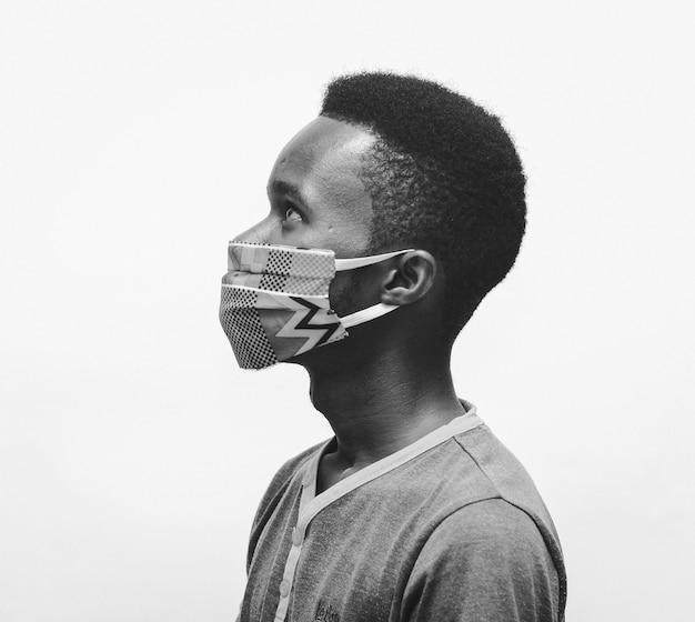 Usando máscara nasal para segurança