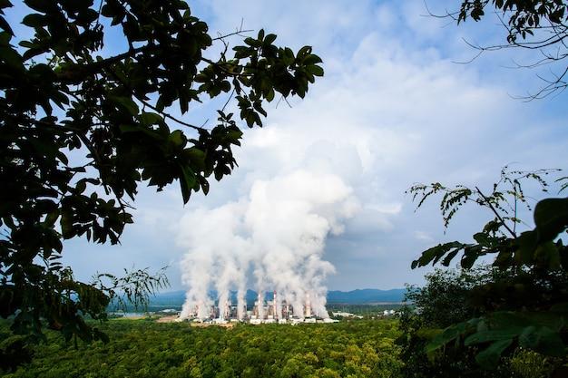 Usina a carvão mae moh em lampang, tailândia