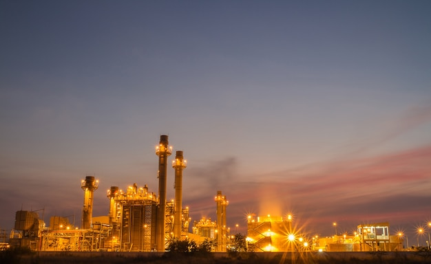 Usina de energia na indústria petroquímica