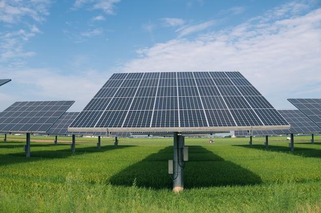 Usina de energia usando energia solar renovável