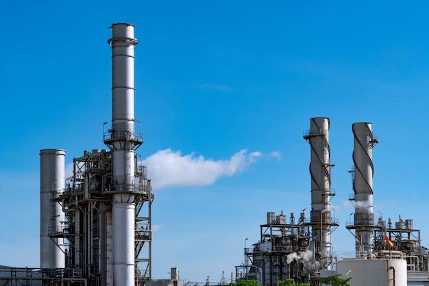 Usina elétrica de turbina a gás. energia para a fábrica de apoio no setor industrial