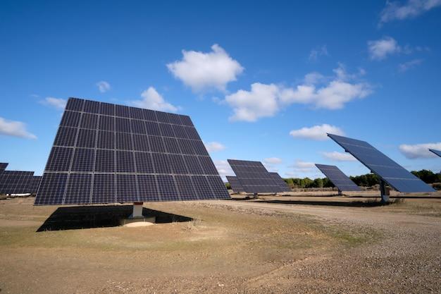 Usina que usa energia solar renovável