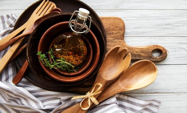 Utensílios de cozinha de madeira talheres