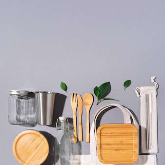 Utensílios de cozinha ecológicos e sacola de lona