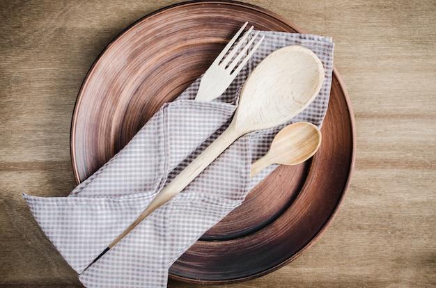 Utensílios de cozinha rústica. mercadorias domésticas.