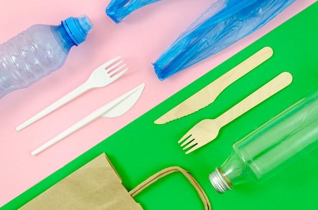 Utensílios de mesa descartáveis coloridos de vista superior