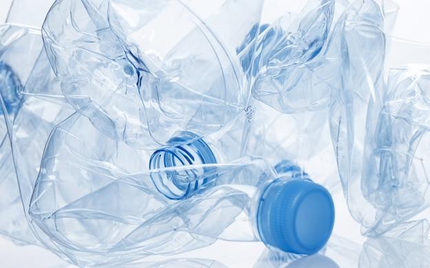 Utilização. garrafa de água vazia
