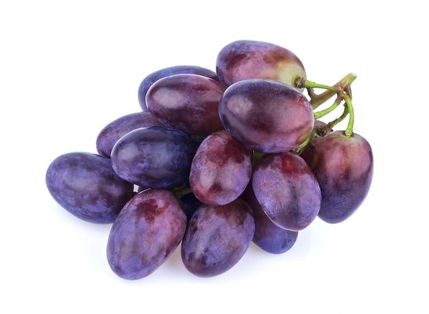 Uva preta na superfície branca