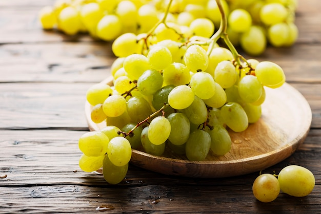 Uvas amarelas doces