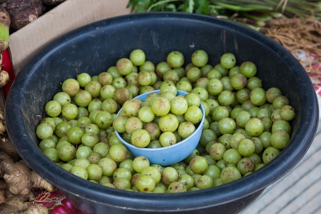 Uvas no mercado na tailândia