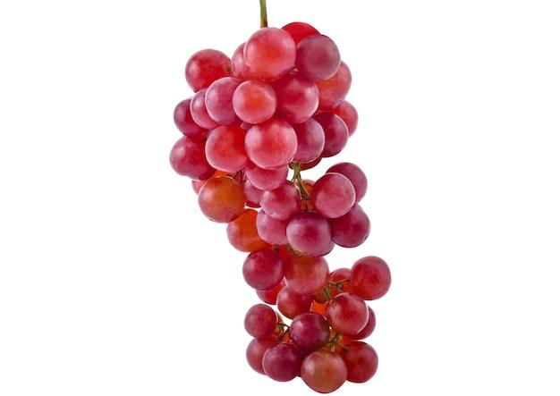 Uvas vermelhas frescas em branco