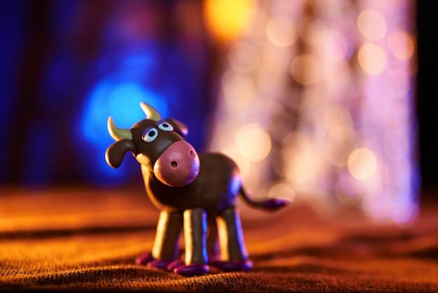 Vaca de natal de plasticina