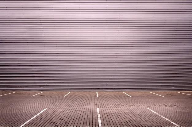 Vagas de estacionamento vazias