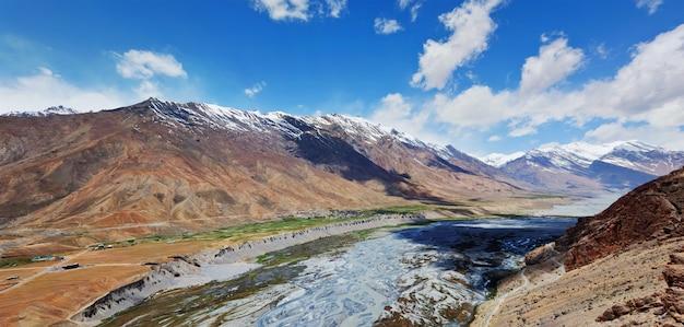 Vale de spiti no himalaia Foto Premium