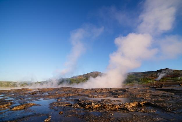 Vale dos gêiseres na islândia