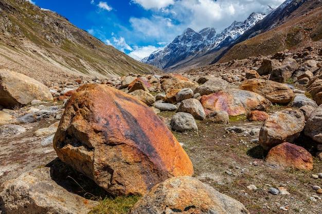 Vale lahaul na índia, himalaia, índia