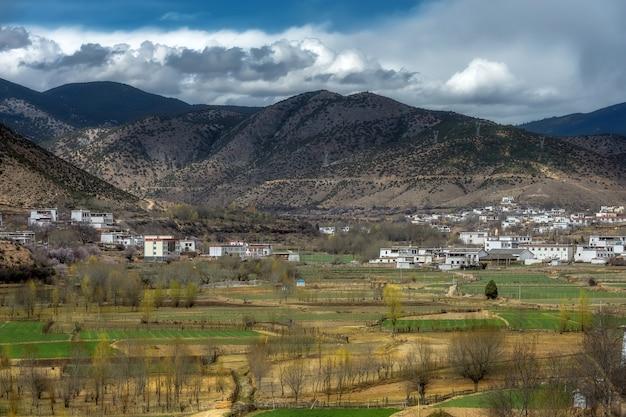 Vale tibetano em sichuan, china