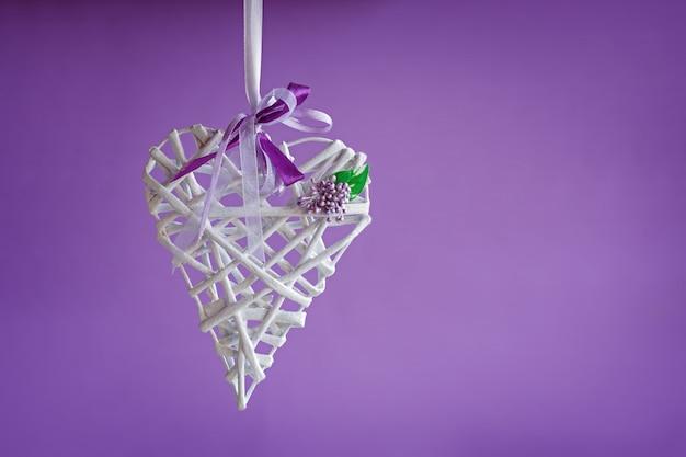 Valentine amor coração branco handemade em roxo