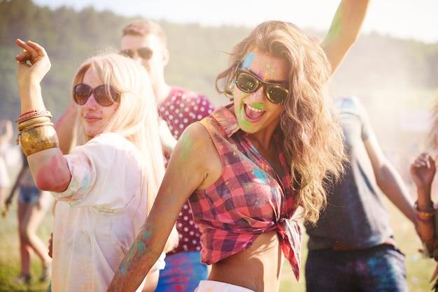 Vamos dançar e nos divertir