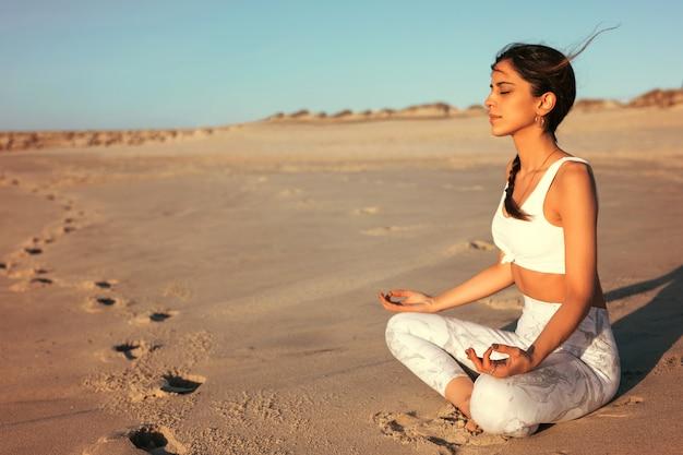 Vamos fazer um pouco de yoga!