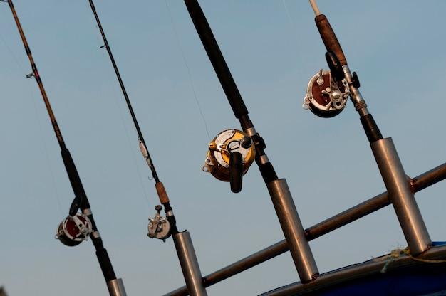 Varas de pesca em um barco, sayulita, nayarit, méxico