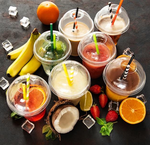 Várias bebidas frias de verão