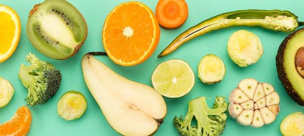 Várias frutas e vegetais exóticos