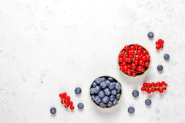 Várias frutas frescas no verão